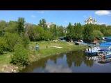 Холодное лето 2017 в Ярославе, сегодня,  на Стрелке, первые купальщики