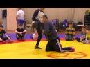 Тренер Ильин Ю.В. показывает приёмы вольной борьбы. Тренировка.