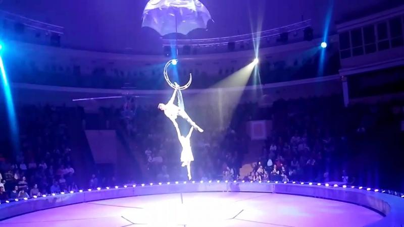 Минском цирке сорвалась воздушная гимнастка.mp4