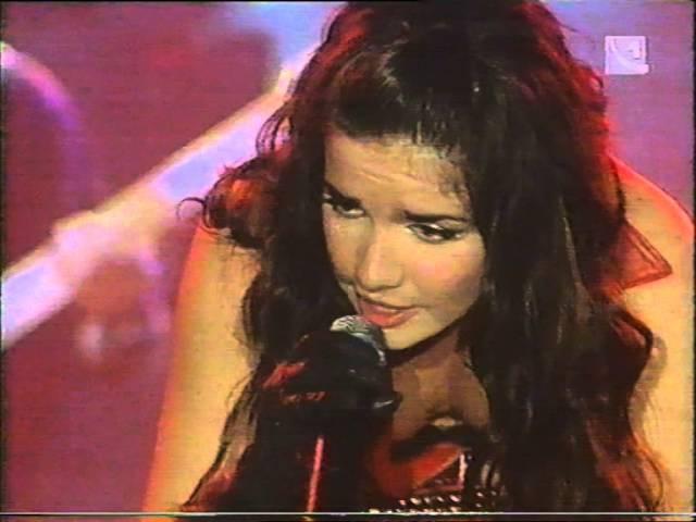 Natalia Oreiro - Rio de la plata - 6.4.2001 - Bratislava, SK - 015