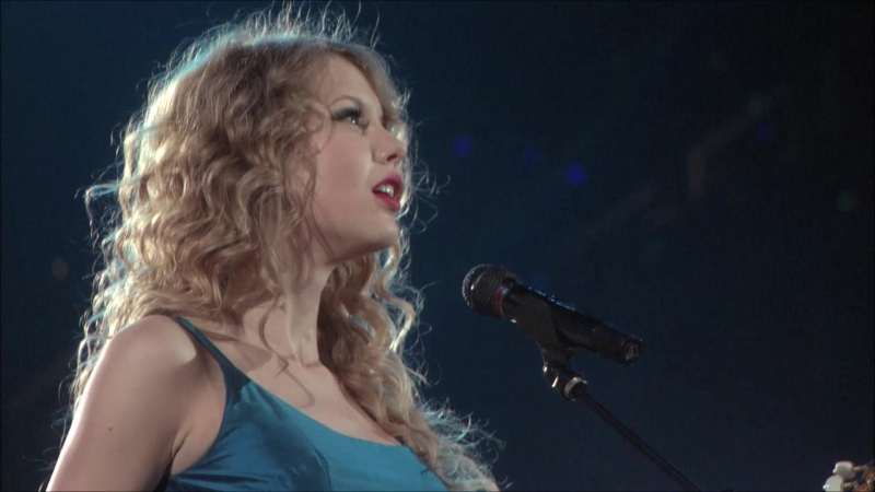 Taylor Swift - Hey Stephen (Live on Fearless Tour 2010)
