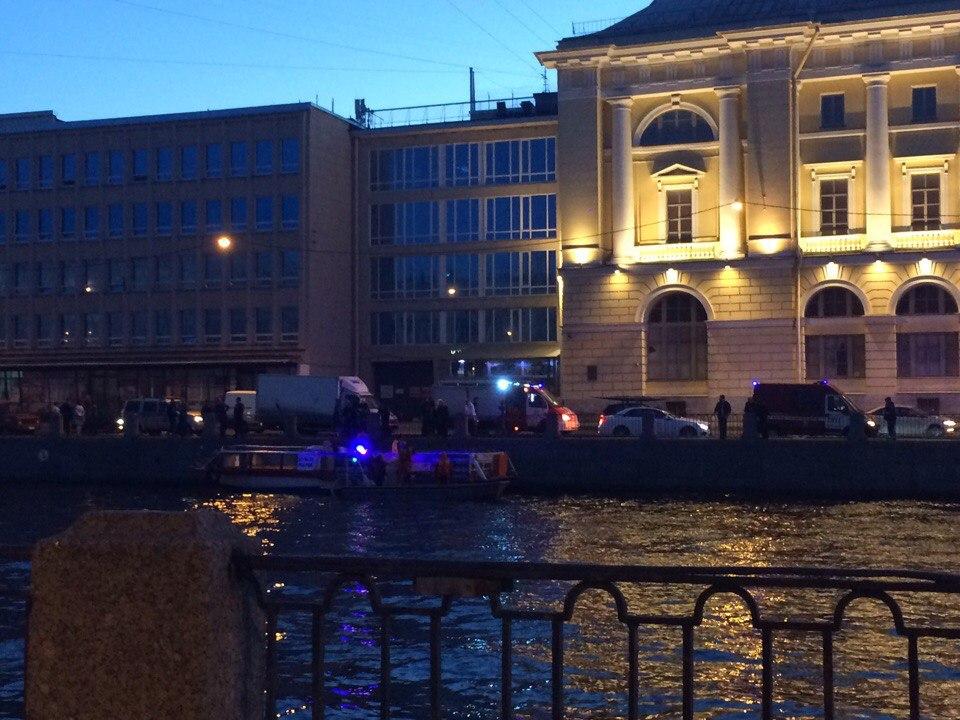 Теплоход врезался вмост наФонтанке вПетербурге, пострадала невеста