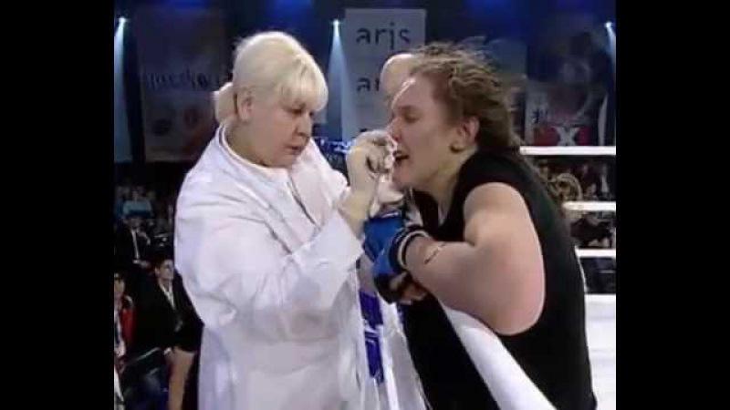 Таня Монтян на ринге