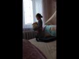 маленькая мама)))со своей сестренкой)))#говорит она мне не двоюродная