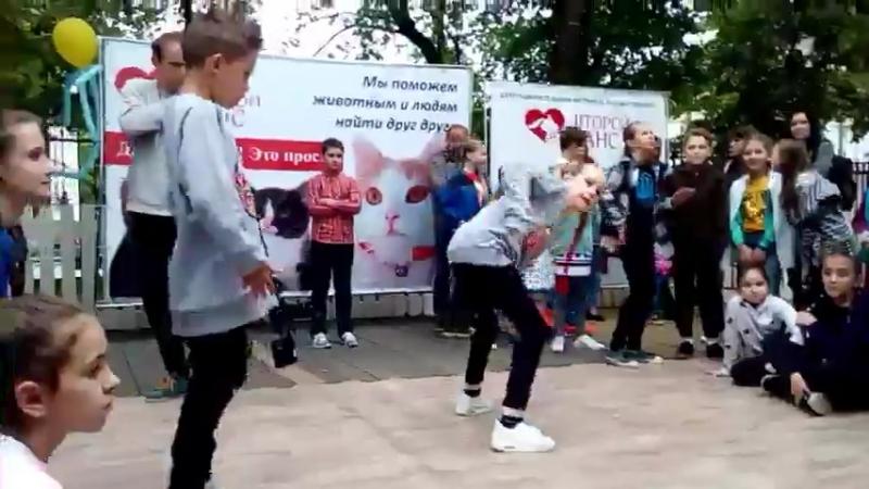 ИВАН БУЛОХОВ (win) vs АЛИНА ПРОСЯНОВА HIP HOP KIDS BATTLE | HAPPY CAT FESTIVAL 2017