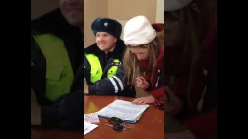 ДПС ГИБДД и девушка под наркотой бутератом.ржачь и смех.