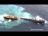 Kapal Kargo di Laut Selandia Baru Terbelah Dua