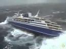 Kapal supplier solar industri Hancur di tengah laut tertangkap kamera