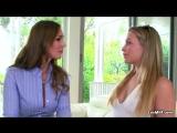 Young lesbian seduces a hot psychotherapist