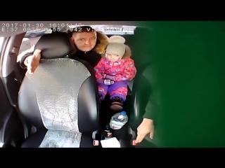 Непоколебимый таксист и пассажир гопник-мент!