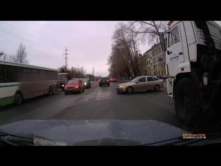 ДТП в Северодвинске, Архангельское ш. Высунулся.