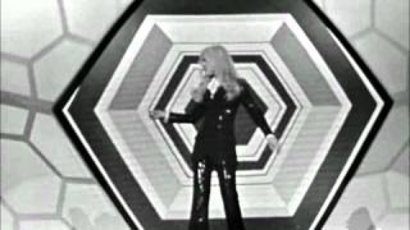 SYLVIE VARTAN - L'herbe Folle (2.05.1971) ...
