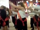 Танец 4 класса Б на последнем звонке