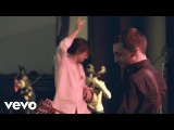 The Last Shadow Puppets - Les Cactus (Official Video)