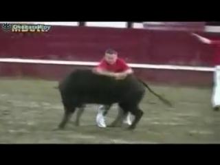 Игры с бешеными быками!! Португалия.