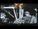 Человек с мобильным телефоном в фильме Чарли Чаплина Цирк 1928 года.ОФИГЕТЬ МОЖНО.