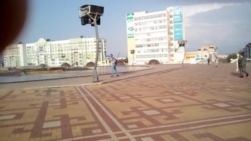 Парень под спайсом ? Саранск Площадь Тысячелетия