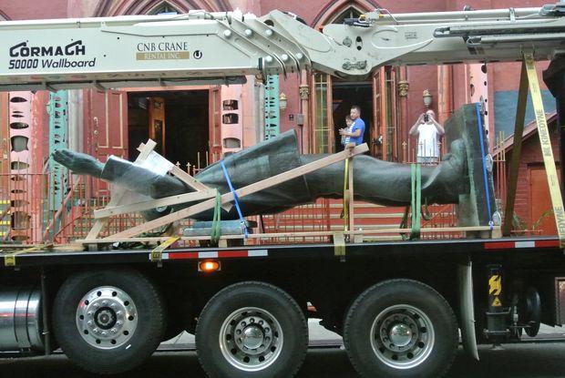 В Нью-Йорке демонтирован памятник Ленину