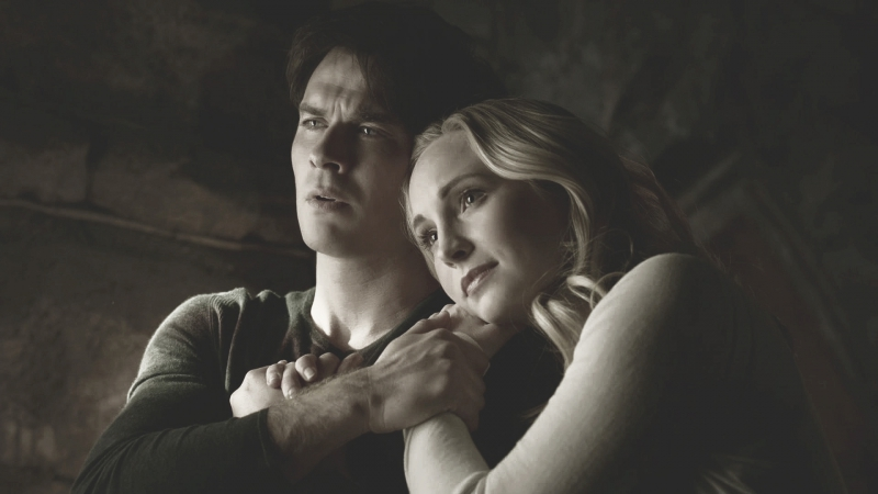 Damon Caroline   Stefan Elena   hold on