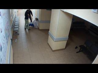 Опубликовано видео жестокого избиения врачей пациентом в Великом Новгороде