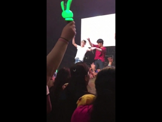 [fancam] 170413 b.a.p 'party baby' chicago | moon & zelo