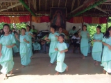Филиппинский национальный танец на реке Лобок
