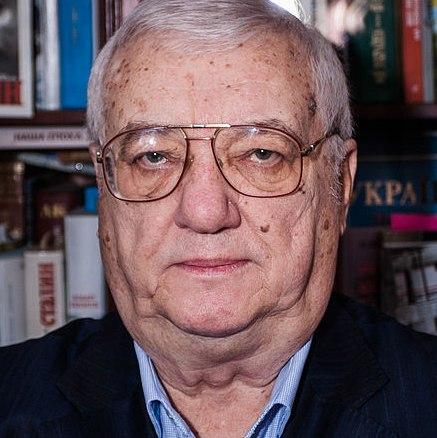 Юрій Щербак. Біографія. Критика. Твори