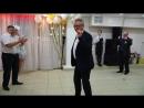 Весёлый танец с голубем