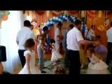 Папы танцуют мамы плачут