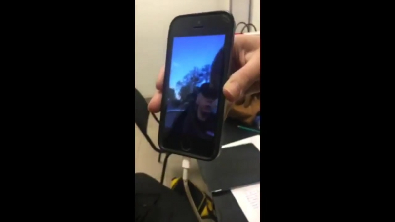 Полицаи схватили мальчишку декламировавшего Гамлета