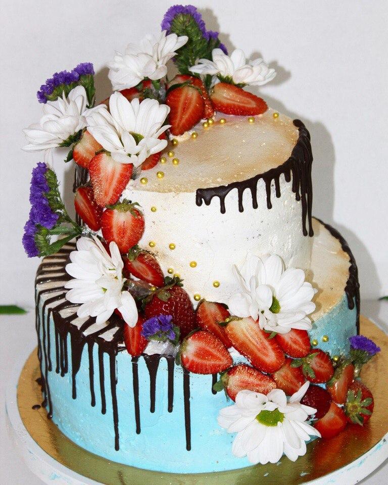 Свадебный торт с ягодами (арт. 35)