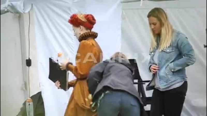 Марго на съёмках фильма «Мария — королева Шотландии», Оксфорд, Англия | 05.09.17