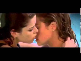 Wild Things NEVE CAMPBELL & DENISE RICHARD Lesbian In The Pool Sex Scene
