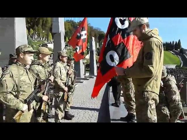 Присяга стрільців УНСО на полі почесних поховань № 67 Личаківського цвинтаря. Покрова
