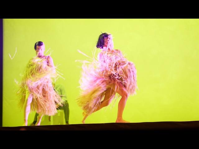 Sia - Move Your Body - Mohegan Sun, 10/26/2016