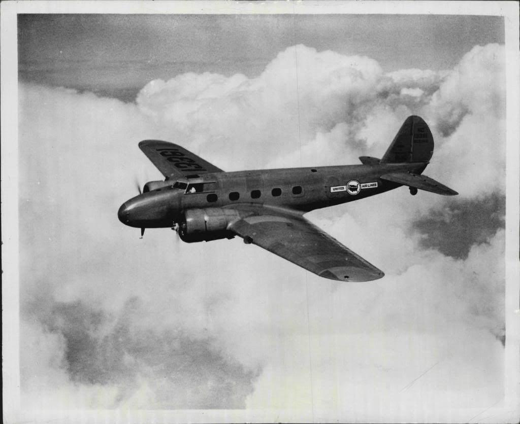 Первый авиалайнер фирмы Боинг - модель 247
