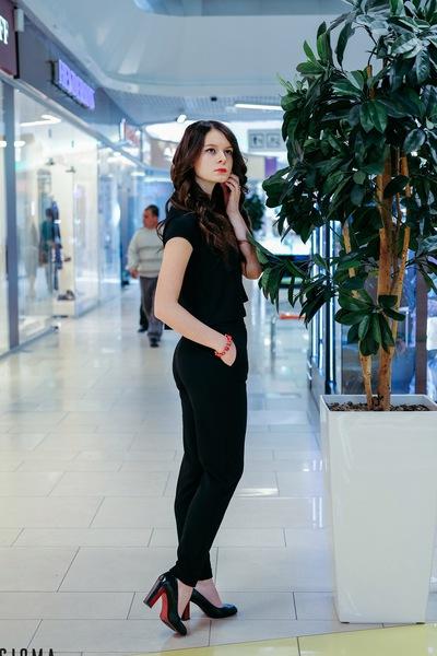 Ксения Любимова