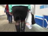 SEXy Lady in Mini ubke !!! BIG ASS !!! Сексуальная Леди в короткой юбке с Большой попой !!! Part One