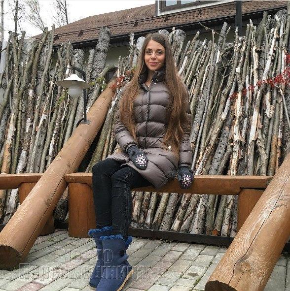 toptanie-zhenskoy-nozhkoy-golih