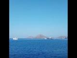 Эгейское море встречает всеми красками синевы !!