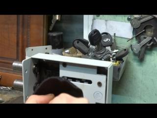 вскрытие гаражного замка отмычкой. обучение открытию замков.сайт: http://medvejatnik.kiev.ua