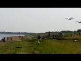 Два самолёта бе-200 набирают воду на реке Обь