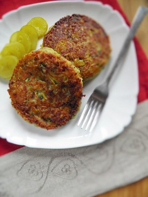 КОТЛЕТЫ ИЗ ИНДЕЙКИ Ингредиенты: 3-4 шт картофеля 1