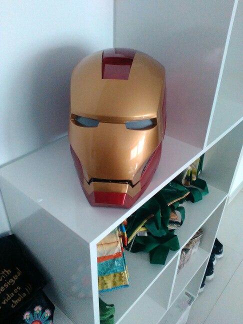 Шлем Iron Man с светящимися глазами
