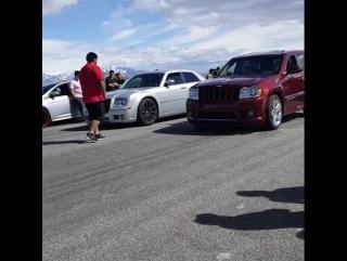 Jeep SRT8 vs Chrysler 300C SRT8