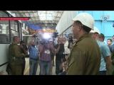 Глава ДНР Александр Захарченко провел тест-драйв первого автобуса, собранного в Республике