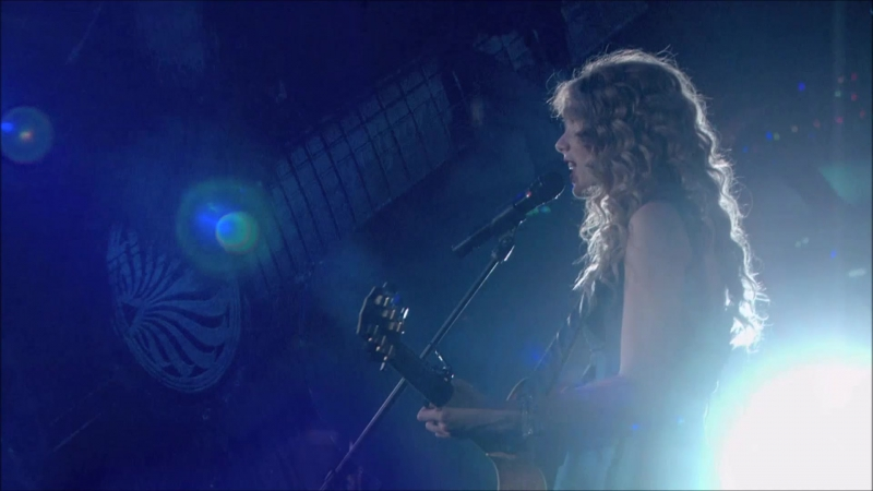 Taylor Swift -Tim McGraw (Live on Fearless Tour 2010)
