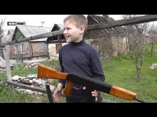 Дети на войне: мальчик Олег живет в поселке Трудовские под обстрелами ВСУ ()