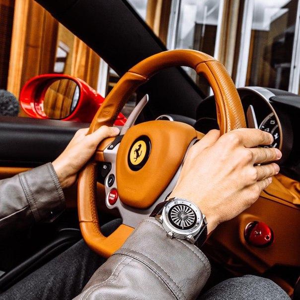 Богаче становится тот, кто помогает разбогатеть другим.