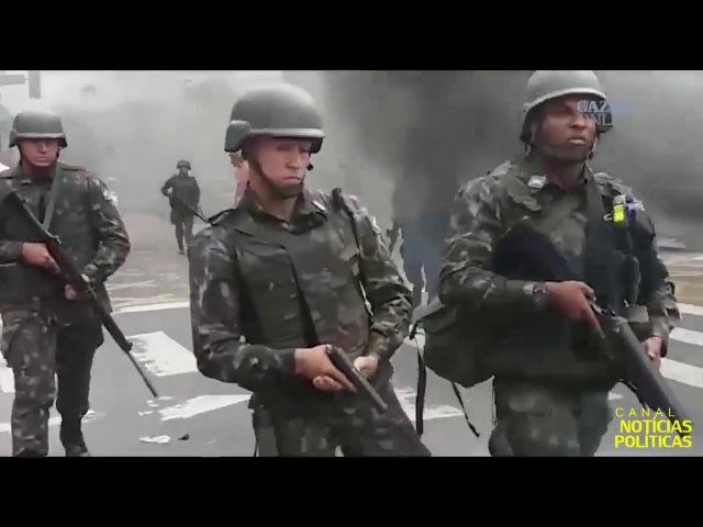 O EXÉRCITO CHEGOU - Exército no ES remove barreira de frente o Quartel General da PM o povo cantava